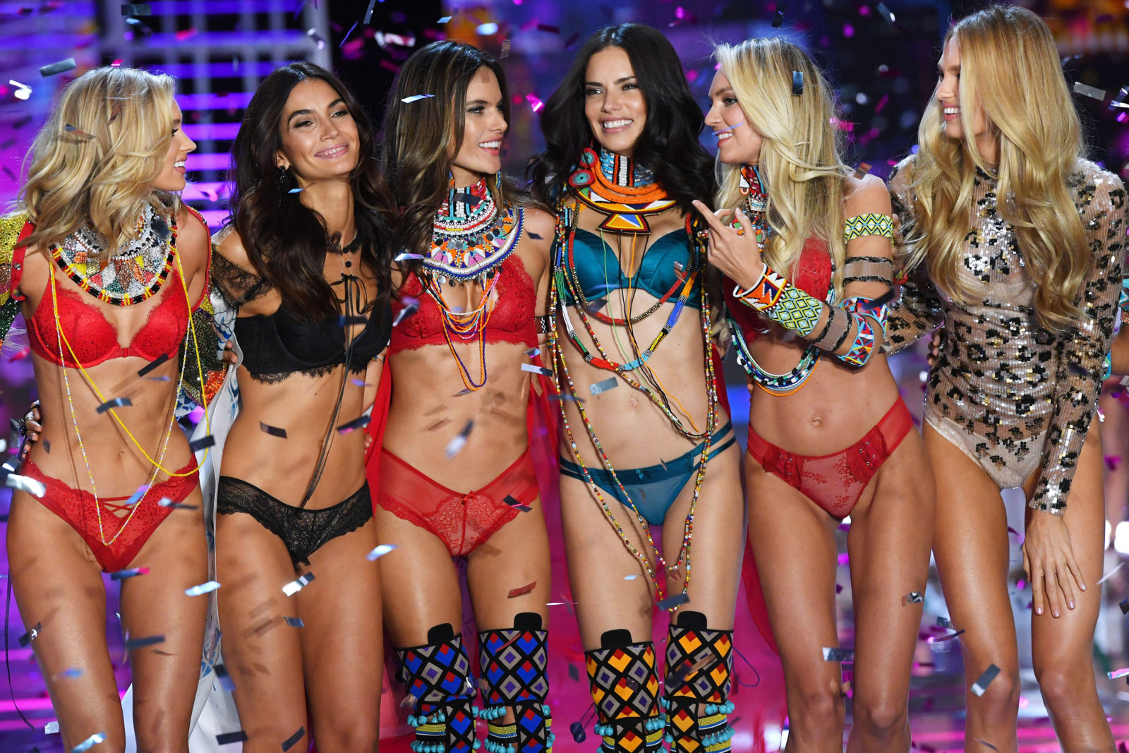 victorias-secret-models-desfile